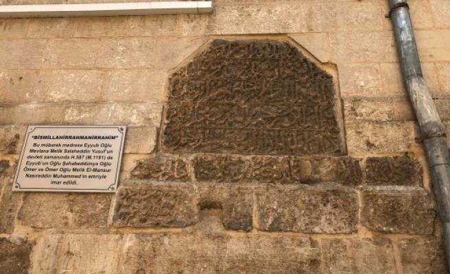 Şanlıurfa'da 800 yıllık medresenin sırrı!