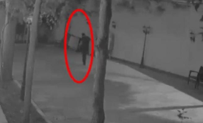 TV binasında yaşanan hırsızlık kameralara yansıdı