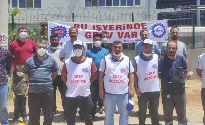 Şanlıurfa'da fabrika işçileri greve başladı