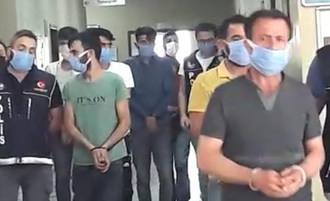 Şanlıurfa'da sokak satıcılarına baskın: 10 gözaltı