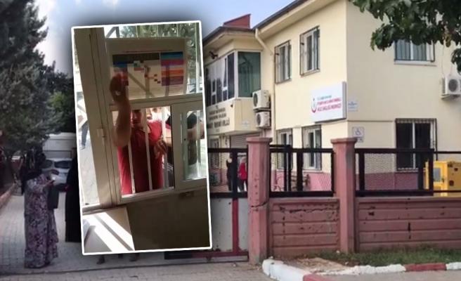 Urfa'da hasta yakını reçete yazmayan doktora saldırdı!