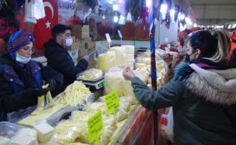Şanlıurfa'da yöresel ürünler vatandaşların beğenisine sunuldu