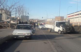 Urfa'da maddi hasarlı kaza!