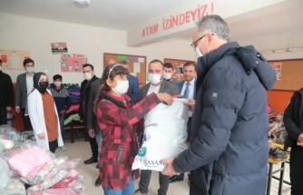 Eyyübiye'de öğrencilere yardım seti dağıtıldı