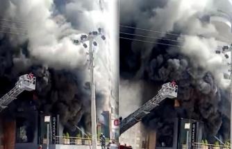Karaköprü'de korkutan mağaza yangını