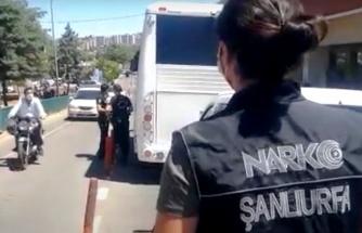 Şanlıurfa'da zehir tacirlerine baskın: 3 gözaltı
