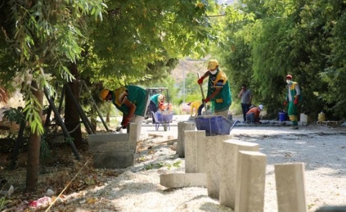 Karaköprü'de parke taşı çalışmaları sürüyor