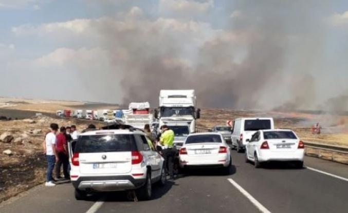 Anız yangını kazaya neden oldu: 3 yaralı