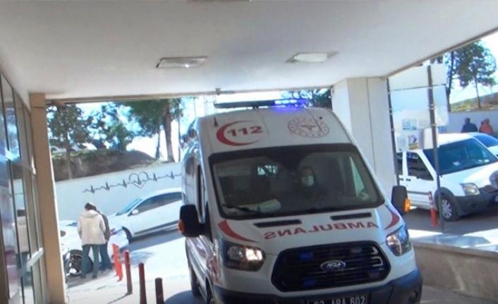 Siverek'te tır devrildi: 3 yaralı