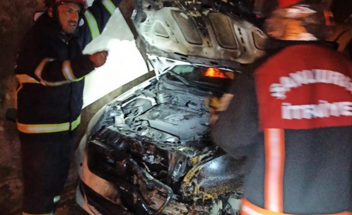 Eyyübiye'de bir gecede iki araç kundaklandı!